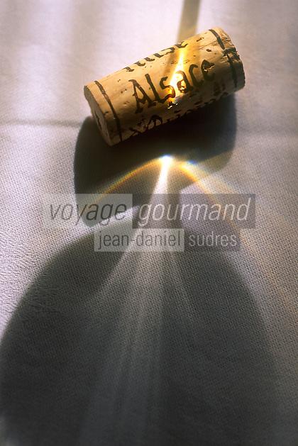 Europe/France/Alsace/68/Haut-Rhin: Dégustation des Vins d'Alsace Grand Cru - Détail d'un bouchon