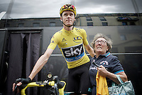 A (very) little older lady came straight to Chris Froome (GBR/SKY) while he was still on the rollers warming up before the stage. She was pretty emotional and was held back by the Sky-staff. Gentleman as he was, Froome gestured her over and had a photo taken & signed her T-shirt. Class act.<br /> <br /> stage 11: Carcassonne - Montpellier (162km)<br /> 103rd Tour de France 2016