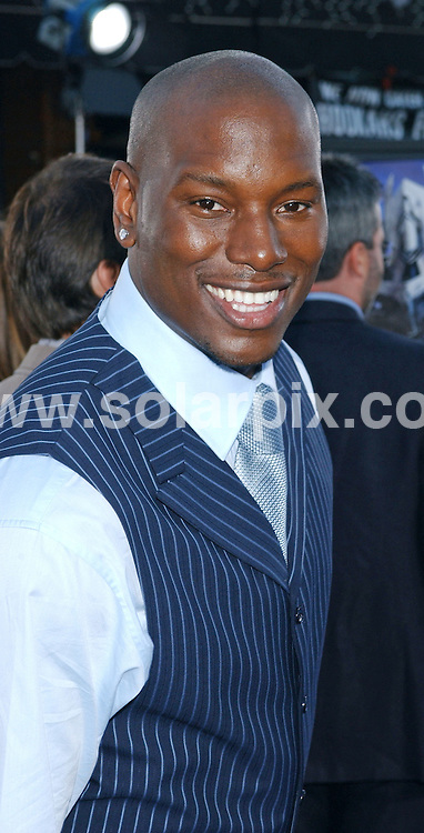 **ALL ROUND PICTURES FROM SOLARPIX.COM**.**WORLDWIDE SYNDICATION RIGHTS EXCLUDING - FRANCE** .Guests arrive at the premiere of the  film, TRANSFORMERS in Westwood, California, USA, at the Village Theater on June 27, 2007..This pic: Tyrese Gibson.JOB REF: 4161   GLS       DATE: 28.06.2007.**MUST CREDIT SOLARPIX.COM OR DOUBLE FEE WILL BE CHARGED* *UNDER NO CIRCUMSTANCES IS THIS IMAGE TO BE REPRODUCED FOR ANY ONLINE EDITION WITHOUT PRIOR PERMISSION*