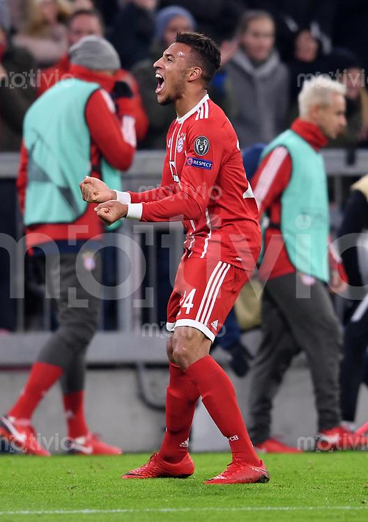 FUSSBALL CHAMPIONS LEAGUE SAISON 2017/2018 GRUPPENPHASE FC Bayern Muenchen - Paris Saint-Germain               05.12.2017 Corentin Tolisso (FC Bayern Muenchen) bejubelt sein Tor zum 3:1