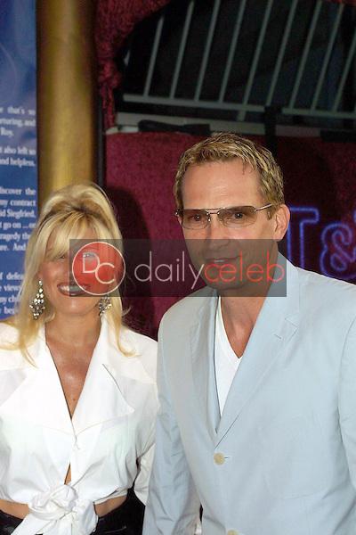 Rex Smith and wife Courtney