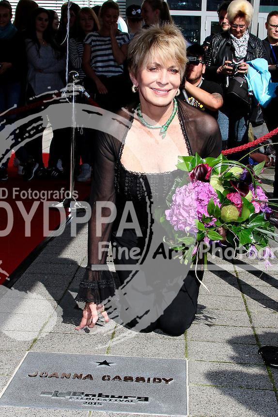 Joanna Cassidy enth�llt ihren Stern auf dem OLB-Walk of Fame auf dem 22. Internationalen Filmfest Oldenburg. Oldenburg, 18.09.2015
