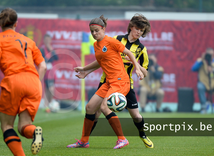 20150514 - BEVEREN , BELGIUM : Amber De Priester pictured with Tinne Van Den Bergh (right) during the final of Belgian cup, a soccer women game between SK Lierse Dames and Club Brugge Vrouwen , in stadion Freethiel Beveren , Thursday 14 th May 2015 . PHOTO DAVID CATRY