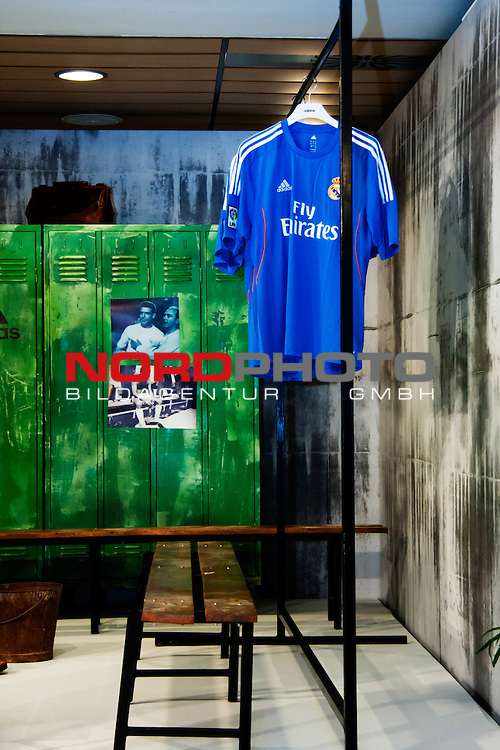 Presentation of the second Real Madrid Kit for the season 2013-2014. July 25, 2013. Foto © nph / Adrian P. Rincon) *** Local Caption ***