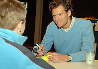 24-2-07,Tennis,Netherlands,Rotterdam,ABNAMROWTT, Autograph session with Sjeng Schalken