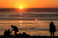 RIO DE JANEIRO; RJ; 20.01.2014 - O feriado de São Sebastião começa com sol forte e o calor é intenso já no  amanhecer desta segunda-feira na praia do Recreio, Zona Oeste da cidade. FOTO: NÉSTOR J. BEREMBLUM - BRAZIL PHOTO PRESS.