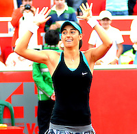 BOGOTA -COLOMBIA - 13-04-2014: Caroline Garcia de Francia, celebra la victoria sobre Jelena Jankovic de Serbia en partido por la final de la Copa Open Claro Colsanitas 2014, durante partido en el Club Campestre El rancho de la ciudad de Bogota.  / Caroline Garcia of France celebrates the victory against Jelena Jankovic in the final match of the Open Claro Colsanitas Tennis Cup 2014, in the Club Campestre El Rancho in Bogota cityPhoto: VizzorImage / Luis Emiro Mejia / Open Claro Colsanitas