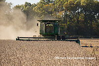 63801-07218 Soybean harvest with John Deere combine in Marion Co. IL