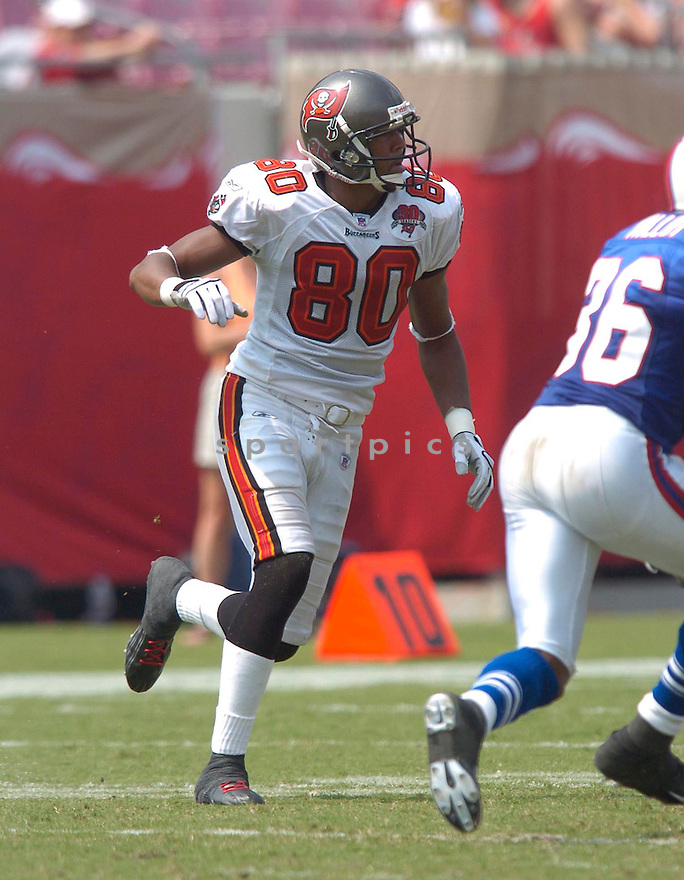 Michael Clayton during the Tampa Bay Buccaneers v. Buffalo Bills game on September 18, 2005. Buccaneers win 19-3...Chris Bernacchi / SportPics