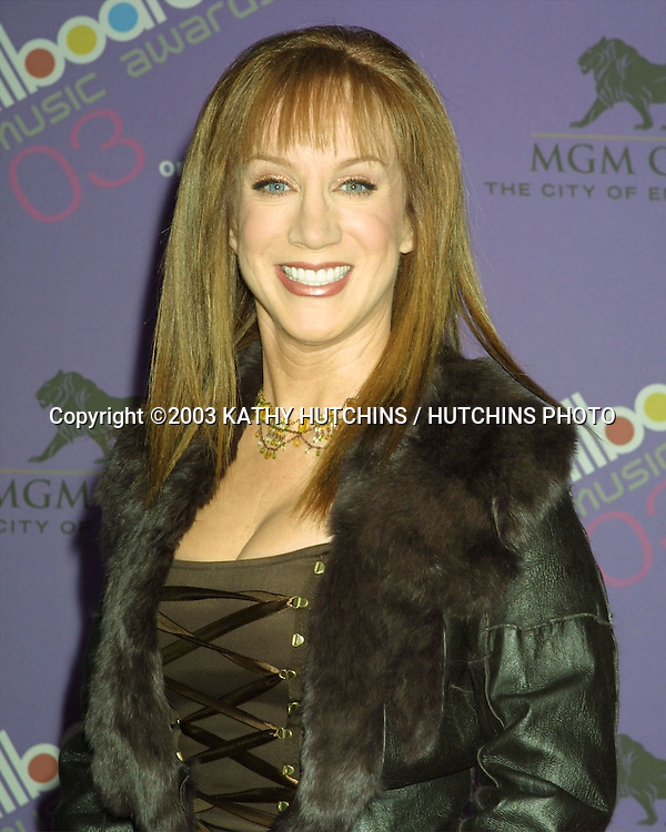 ©2003 KATHY HUTCHINS / HUTCHINS PHOTO.2003 BILLBOARD AWARDS.MGM GRAND HOTEL.LAS VEGAS, NV.DECEMBER 10, 2003..KATHY GRIFFIN