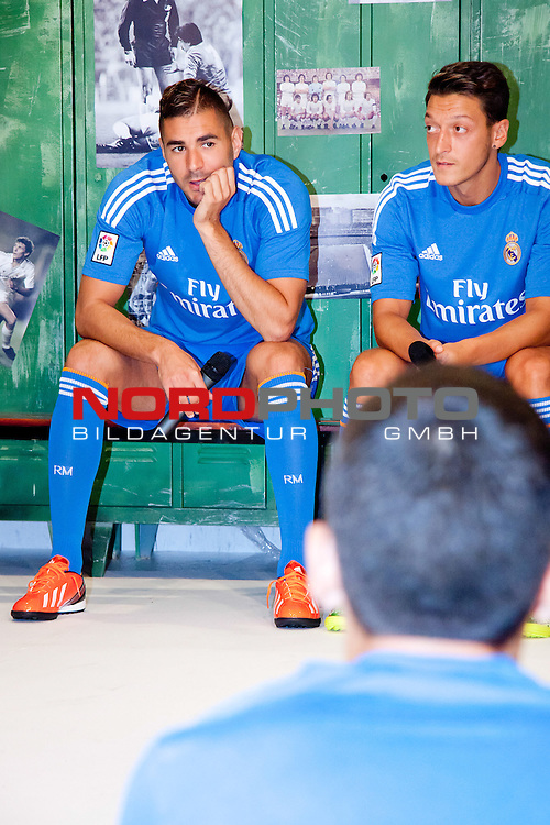 Presentation of the second Real Madrid Kit for the season 2013-2014. July 25, 2013. Foto &not;&copy; nph / Adrian P. Rincon)<br /> Karim Benzema, Mesut &sbquo;ą&ouml;?zil *** Local Caption ***