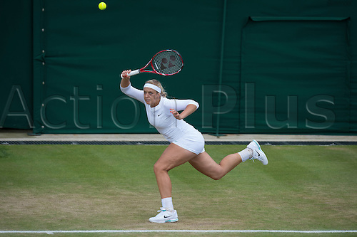 29.06.2012  The All England Lawn Tennis and Croquet Club. London, England. Sabine Lisicki of Germany in action against  Sloane Stephens of United States during third round at Wimbledon Tennis Championships at The All England Lawn Tennis and Croquet Club. London, England, UK