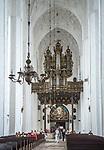 Gdańsk, (woj. pomorskie) 16.08.2014. Kościół Mariacki w Gdańsku - nawa główna.
