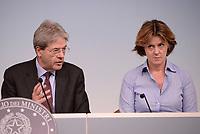 Roma, 19 Maggio 2017<br />  Paolo Gentiloni e Beatrice Lorenzin<br /> Conferenza stampa al termine del Consiglio dei Ministri su vaccinazione obbligatoria