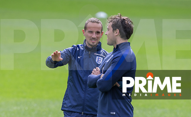 England Manager Mark Sampson talks tactics during the Open Training session of  England Women ahead of the EURO 2017 Qualifier against Serbia at Adams Park, High Wycombe, England on 3 June 2016. Photo by Andy Rowland.