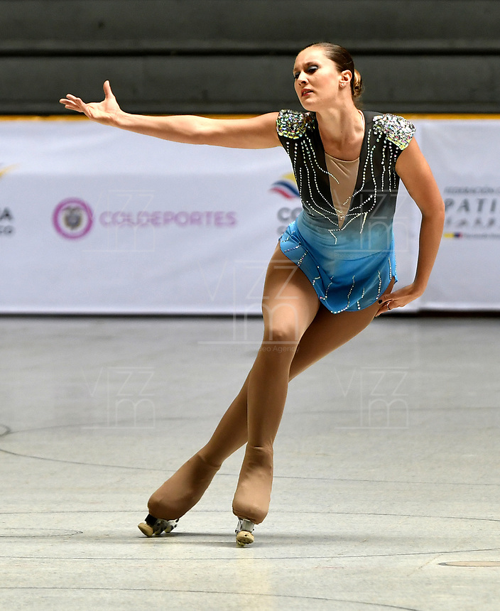 BOGOTÁ - COLOMBIA, 04-09-2018: Lucia Kindebaluc, deportista de Argentina, durante prueba de Programa Corto, Mayores Damas en Linea, en el Campeonato Panamericano Patinaje Artístico, en el Coliseo El Salitre de la Ciudad de Bogotá. / Lucia Kindebaluc, sportwoman from Argentina, during the Short Program Senior Ladies test, in the Panamerican Figure Skating Championship the El salitre Coliseum in Bogota City. Photo: VizzorImage / Luis Ramirez / Staff.