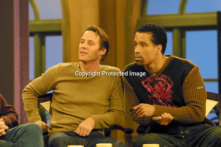©2002 KATHY HUTCHINS/ HUTCHINS PHOTO.THE OTHER HALF TAPING.BURBANK, CA.NOVEMBER 15, 2002..