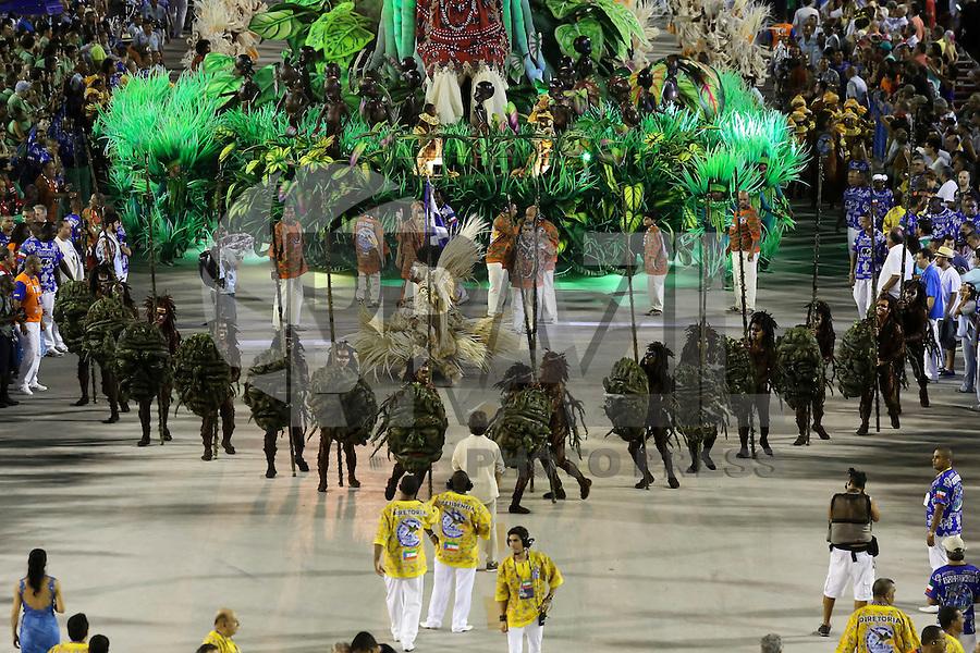 RIO DE JANEIRO, RJ, 17.02.2015 - CARNAVAL 2015 - RIO DE JANEIRO - GRUPO ESPECIAL / BEIJA-FLOR - Comissão de frente da escola de samba Beija-Flor de Nilópolis durante desfile do grupo especial do Carnaval do Rio de Janeiro, na madrugada desta terça-feira, 17. (Foto: Gustavo Serebrenick / Brazil Photo Press)