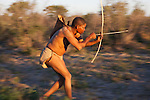 Botswana, Kalahari, bushman (san) hunting with bow and arrow