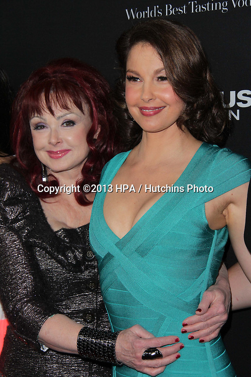 """LOS ANGELES - MAR 18:  Naomi Judd, Ashley Judd arrives at """"Olympus Has Fallen"""" Los Angeles Premiere at the ArcLight Hollywood Theaters on March 18, 2013 in Los Angeles, CA"""