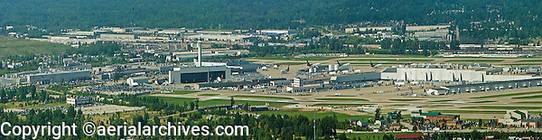 aerial photograph, United Parcel Service UPS Worldport,  Louisville International Airport, Sandiford Field, SDF, Louisville, Kentucky