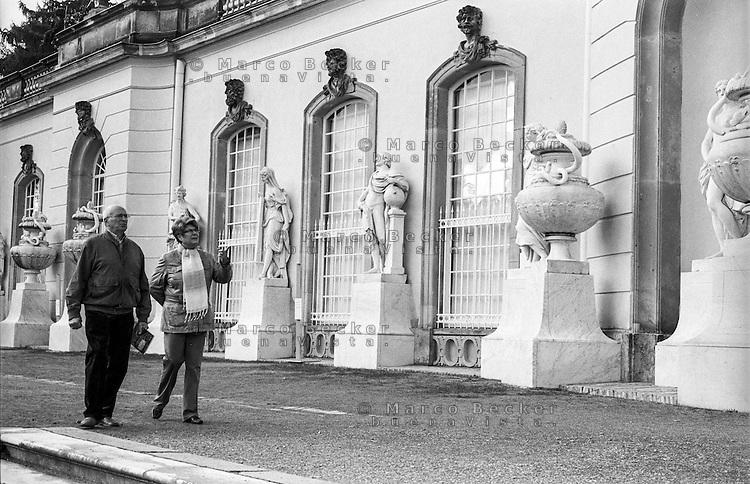 "Potsdam, parco di Sanssouci. La Bildergalerie (""galleria di dipinti"" - pinacoteca) --- Potsdam, Sanssouci Park. The Picture Gallery"