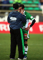 Manawatu physio Mike Harnett checks Aaron Cruden during the Air NZ Cup rugby match between Manawatu Turbos and Counties-Manukau Steelers at FMG Stadium, Palmerston North, New Zealand on Sunday, 2 August 2009. Photo: Dave Lintott / lintottphoto.co.nz