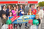 This weeks BuyKerry winner Una Hayes from Tralee choose Byrnes Spar Oakpark. Front from left:  Ben Sharp, Mikayla Hayes, Aisling Hayes, Ciara Sharp. Back l-r: Suzanne Ennis (Tralee Credit Union), Olive Sharp, Helen Geary (Tralee Credit Union), Tania Allen, Kerry's Eye, Una Hayes, Louie Byrne, Penny Hayes, Helen Hayes.