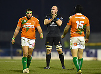 Matt Garvey of Bath Rugby rallies his team-mates during a break in play. European Rugby Champions Cup match, between Benetton Rugby and Bath Rugby on January 20, 2018 at the Municipal Stadium of Monigo in Treviso, Italy. Photo by: Patrick Khachfe / Onside Images