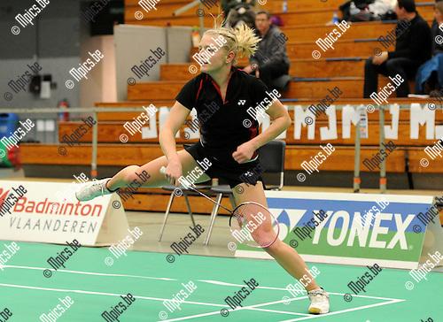 2012-02-05 / Seizoen 2011-2012 / Badminton / Belgische kampioenschappen / Janne Elst neemt het samen met Jelske Snoeck in het dames dubbel op tegen N. Kustyaningsih en Lianne Tan..Foto: mpics