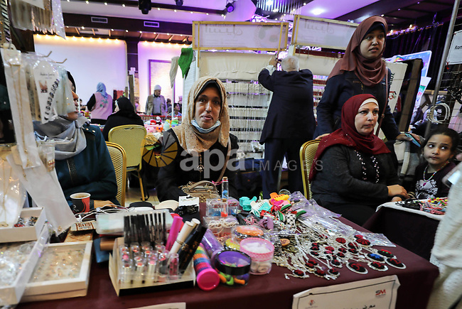 "Palestinians attend the exhibition of ""Palestinian Mirrors"" for traditional handmade crafts, in Gaza city on December 8, 2019. Photo by Mahmoud Ajjour"