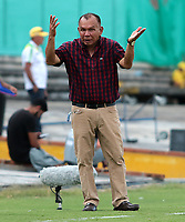 NEIVA-COLOMBIA, 24-10-2019: Jorge Luis Bernal, técnico de Atlético Huila, durante partido entre Atlético Huila y Deportivo Independiente Medellín de la fecha 19 por la Liga Águila II 2019 en el estadio Guillermo Plazas Alcid en la ciudad de Neiva. / Jorge Luis Bernal, coach of Atletico Huila, during a match between Atletico Huila and Deportivo Independiente Medellín of the 19th date for the Aguila Leguaje II 2019 at the Guillermo Plazas Alcid Stadium in Neiva city. Photo: VizzorImage  / Sergio Reyes / Cont.