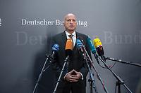 1. Sitzung des Unterausschusses des Verteidigungsausschusses des Deutschen Bundestag als 1. Untersuchungsausschuss am Donnerstag den 14. Februar 2019.<br /> In dem Untersuchungsausschuss zur Berateraffaere soll auf Antrag der Fraktionen von FDP, Linkspartei und Buendnis 90/Die Gruenen der Umgang mit externer Beratung und Unterstuetzung im Geschaeftsbereich des Bundesministeriums fuer Verteidigung aufgeklaert werden. Anlass der Untersuchung sind Berichte des Bundesrechnungshofs ueber Rechts- und Regelverstoesse im Zusammenhang mit der Nutzung derartiger Leistungen.<br /> Einziger Tagesordnungspunkt war die Konstituierung des Unterausschusses als Untersuchungsausschuss.<br /> Im Bild: Ruediger Lucassen, Obmann und Sprecher der rechten AfD im Ausschuss.<br /> 14.2.2019, Berlin<br /> Copyright: Christian-Ditsch.de<br /> [Inhaltsveraendernde Manipulation des Fotos nur nach ausdruecklicher Genehmigung des Fotografen. Vereinbarungen ueber Abtretung von Persoenlichkeitsrechten/Model Release der abgebildeten Person/Personen liegen nicht vor. NO MODEL RELEASE! Nur fuer Redaktionelle Zwecke. Don't publish without copyright Christian-Ditsch.de, Veroeffentlichung nur mit Fotografennennung, sowie gegen Honorar, MwSt. und Beleg. Konto: I N G - D i B a, IBAN DE58500105175400192269, BIC INGDDEFFXXX, Kontakt: post@christian-ditsch.de<br /> Bei der Bearbeitung der Dateiinformationen darf die Urheberkennzeichnung in den EXIF- und  IPTC-Daten nicht entfernt werden, diese sind in digitalen Medien nach §95c UrhG rechtlich geschuetzt. Der Urhebervermerk wird gemaess §13 UrhG verlangt.]