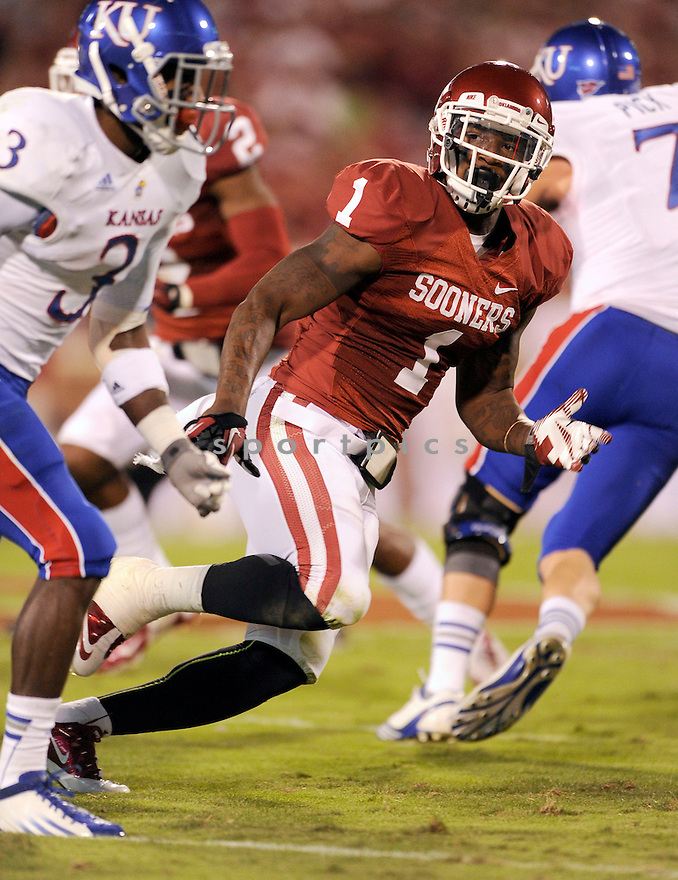 Oklahoma Sooners Tony Jefferson (1) in action during a game against Kansas on October 20, 2012 at Gaylord Family Oklahoma Memorial Stadium in Norman, OK. Oklahoma beat Kansas 52-7.