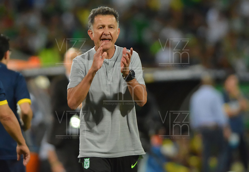 MEDELLIN - COLOMBIA, 21-07-2019: Juan Carlos Osorio técnico del Nacional gesticula durante partido por la fecha 2 de la Liga Águila II 2019 entre Atlético Nacional y Atlético Bucaramanga jugado en el estadio Atanasio Girardot de la ciudad de Medellín. / Juan Carlos Osorio coach of Bucaramanga Nacional gestures during match for the date 2 as part of Aguila League II 2019 between Atletico Nacional and Atletico Bucaramanga played at Atanasio Girardot stadium in Medellín city. Photo: VizzorImage / Leon Monsalve / Cont