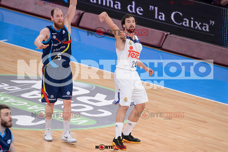 Real Madrid's Sergio Llull and Morabanc Andorra's Thomas Schreiner during Quarter Finals match of 2017 King's Cup at Fernando Buesa Arena in Vitoria, Spain. February 16, 2017. (ALTERPHOTOS/BorjaB.Hojas) /Nortephoto.com