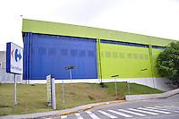 SAO PAULO SP, 16 DE JANEIRO 2012 - TENTATIVA ASSALTO CARRO FORTE -  Fachada do Shopping Anália Franco, no bairro do Tatuapé, na zona leste de São Paulo, onde pelo menos 15 homens tentaram assaltar o carro forte da empresa de valores Transbank, na manhã desta segunda-feira (16). Segundo a Polícia Militar, por volta das 10h30, o grupo tentou roubar os malotes de dinheiro que iriam abastecer o hipermercado Carrefour, que fica no local. Houve troca de tiros com os vigias e dois deles foram baleados. Os bandidos fugiram em quatro veículos. (FOTO: THAIS RIBEIRO - NEWS FREE).