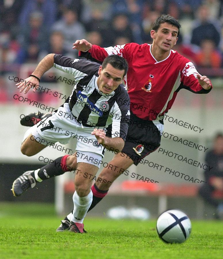 SPORT FUDBAL LAVOVI PARTIZAN 3.10.2004. Brnovic i Mitar Novakovic foto: Pedja Milosavljevic