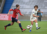 20190113 - LILLE , FRANCE : LOSC's Carla Poto (L) and PSG's Shuang Wang (R) pictured during women soccer game between the women teams of Lille OSC and Paris Saint Germain  during the 16 th matchday for the Championship D1 Feminines at stade Lille Metropole , Sunday 13th of January 2019,  PHOTO Dirk Vuylsteke | Sportpix.Be