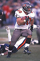 Tampa Bay Buccaneers, Mike Alstott (40) during a game against the Chicago Bears on November 19, 2000 at Soldier Field in Chicago, Illinois. The Bears beat the Buccaneers 13-10. Mike Alstott played for 11 years all with the Buccaneers and was a 6-time Pro-Bowler.