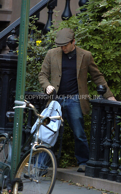 WWW.ACEPIXS.COM . . . . .  ....NEW YORK, OCTOBER 19, 2005....Matthew Broderick outside his Greenwich Village Home.....Please byline: Philip Vaughan -- ACE PICTURES.... *** ***..Ace Pictures, Inc:  ..Craig Ashby (212) 243-8787..e-mail: picturedesk@acepixs.com..web: http://www.acepixs.com