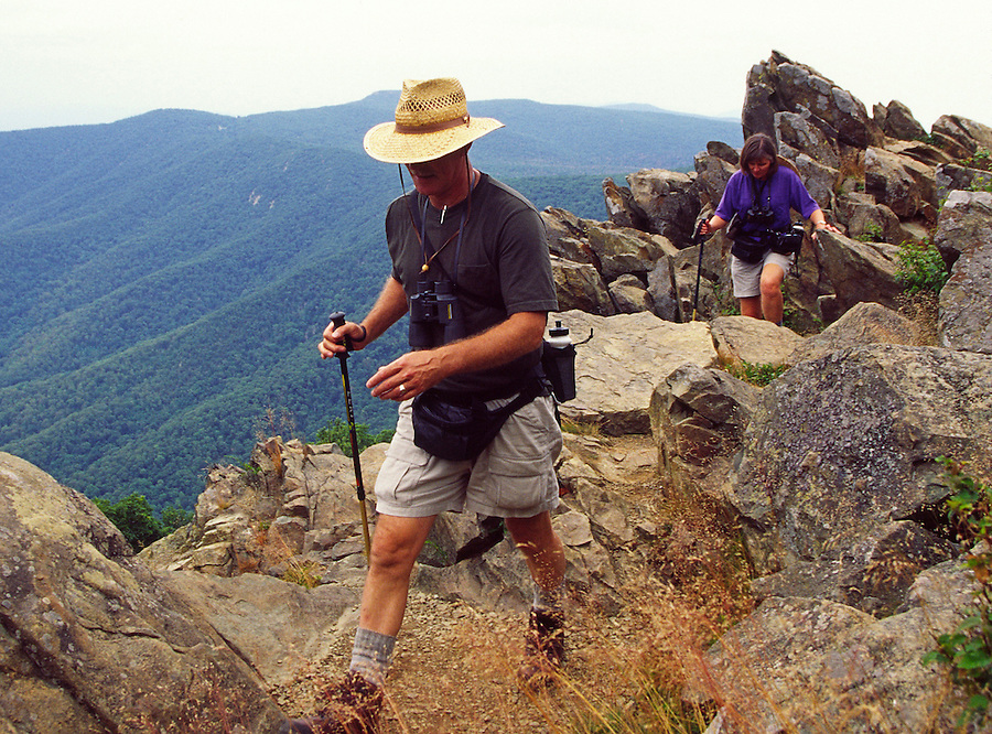 hike backpack shenandoah view scenic