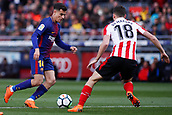 18th March 2018, Camp Nou, Barcelona, Spain; La Liga football, Barcelona versus Athletic Bilbao; Philippe Coutinho of FC Barcelona takes on De Marcos of Athletic Bilbao
