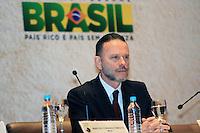 RIO DE JANEIRO, RJ, 03 MAIO 2012 - ENCONTRO BRASIL X AFRICA - O Luciano Coutinho presidente do BNDES, durante o seminário sobre cooperação do Brasil com a África, que marcou o início da comemoração dos 60 anos do BNDES, no Rio de Janeiro, nesta quinta-feira - FOTO: GUTO MAIA - BRAZIL PHOTO PRESS.