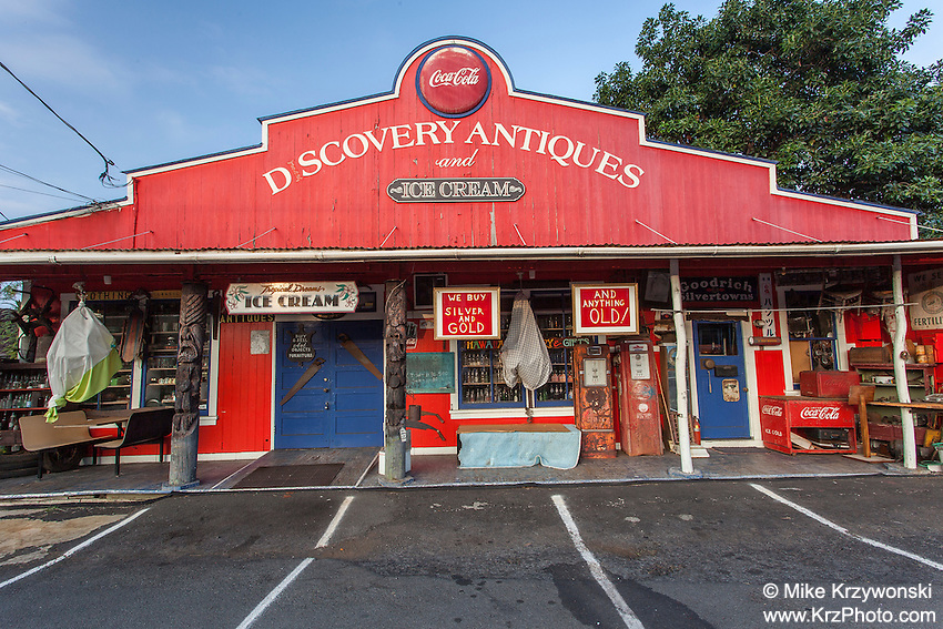 Discovery Antiques shop in Kealakekua, Big Island, Hawaii