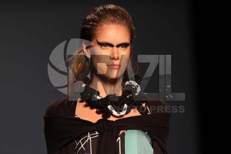 BELO HORIZONTE, MG,06.10.2015- MINAS TREND -  Modelo durante desfile da grife Anne Est Folle na 17ª edição do Minas Trend, no Expominas, em Belo Horizonte (MG), nesta terça-feira, 06. (Foto: Doug Patricio / Brazil Photo Press)