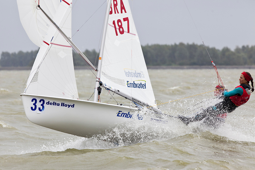 Martine Grael, Isabel Swan, BRA, 470 women, Day 4, May 27th, Delta Lloyd Regatta in Medemblik, The Netherlands (26/30 May 2011).