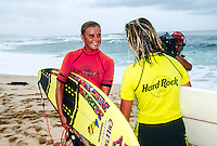 Wendy Botha (ZAF) and Layne Beachley on the beach during the Hard Rock Cafe contest at Sunset Beach in Hawaii Photo: joliphotos.com