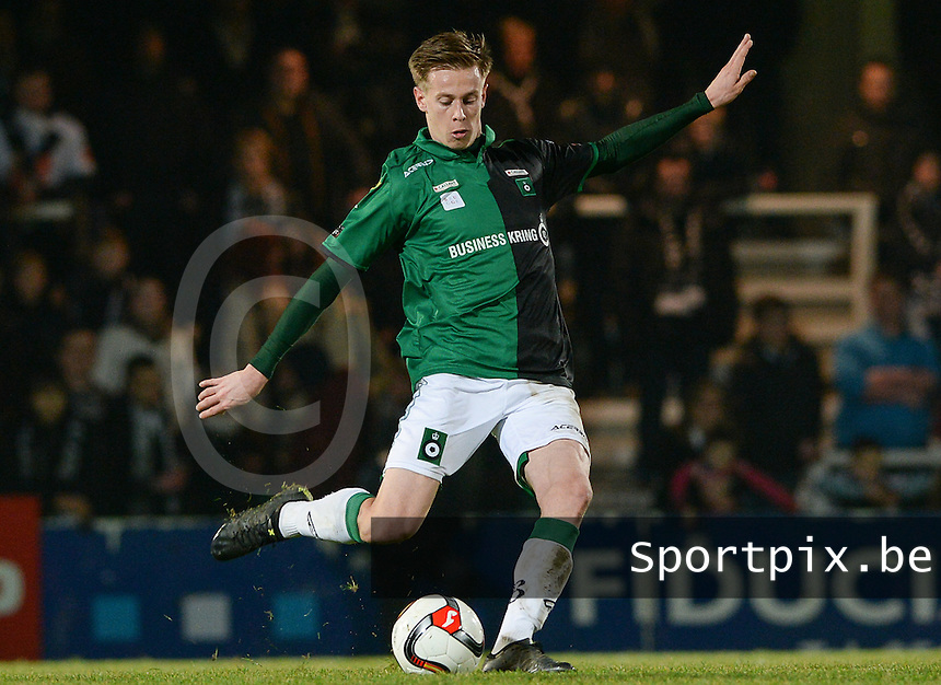 20161217 - ROESELARE , BELGIUM : Cercle's Mathieu Maertens pictured during the Proximus League match of D1B between Roeselare and Cercle Brugge, in Roeselare, on Saturday 17 December 2016, on the day 20 of the Belgian soccer championship, division 1B. . SPORTPIX.BE | DAVID CATRY