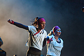 Two of the dancers of those many who is onstage at the opening ceremony. Photo: Audun Ingebrigtsen / Scouterna